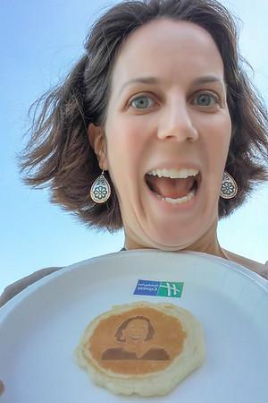 My face... on a pancake? The Holiday Inn Express Pancake Selfie Truck
