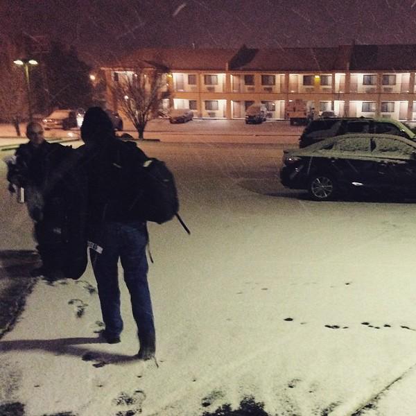 Photographers are insane. #snow #530am #needcoffee via Instagram http://bit.ly/1Bo36ij